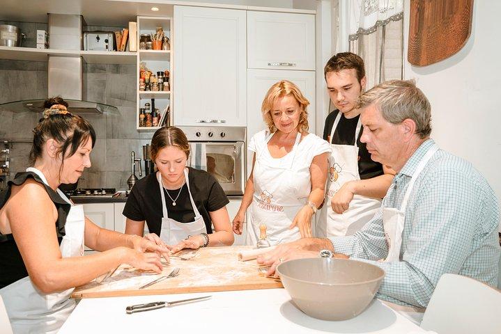 Share your Pasta Love: Small group Pasta and Tiramisu class in Praiano, Amalfi, ITALIA