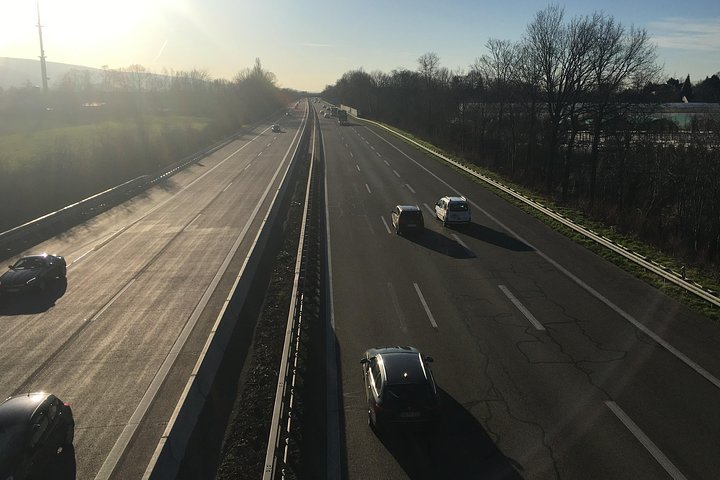 The legendary German Autobahn - experience it in one of the best limousines in the world, Estrasburgo, França