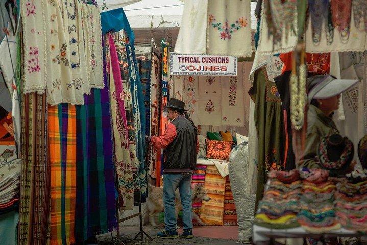 Vive Otavalo... Un Día entre valles y montañas, artesanías y cultura, ,