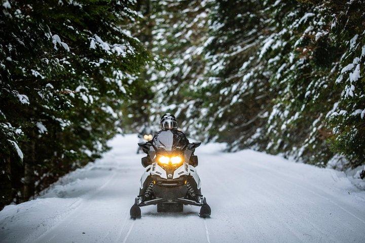 Mont-Tremblant Guided Snowmobile Tours, Mont-Tremblant, CANADÁ