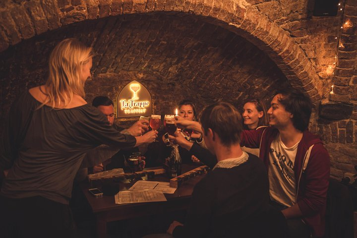 Discover Bruges beer with a chocolate pairing by a young local, Brujas, BELGICA