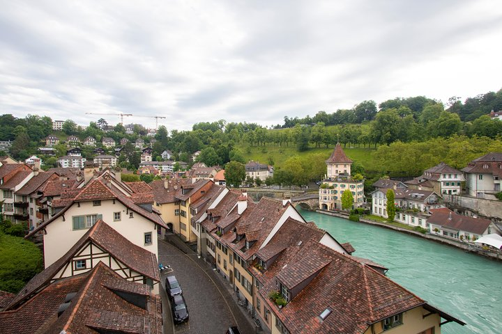 Architectural Walk of Bern with a Local, Berna, SUIZA