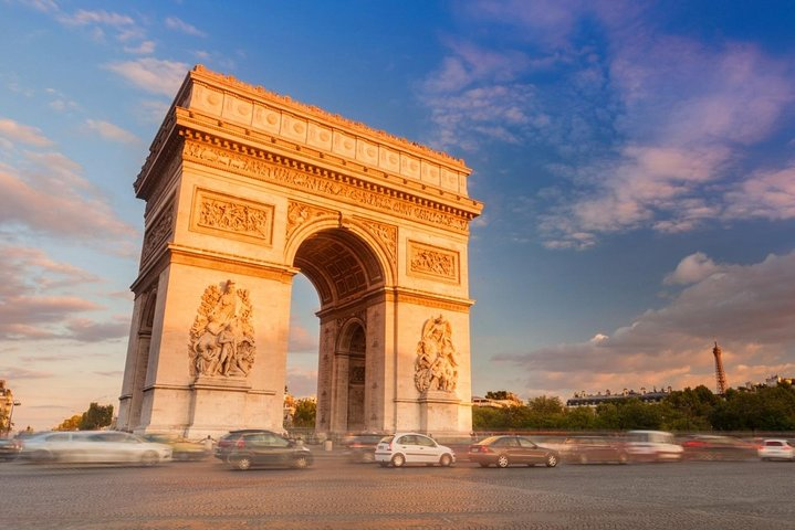 Departure Private Transfers from Paris City to Paris Airport CDG in Luxury Van, Paris, FRANCE