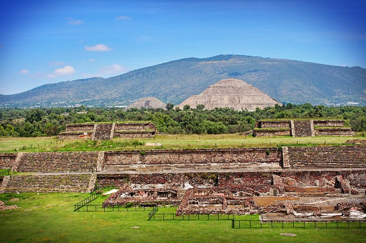 Teotihuacan & Basilica Guadalupe Tour with lunch, Ciudad de Mexico, Mexico