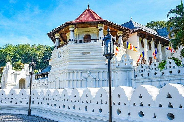 Unlimited km Per Day, Kandy, Sri Lanka