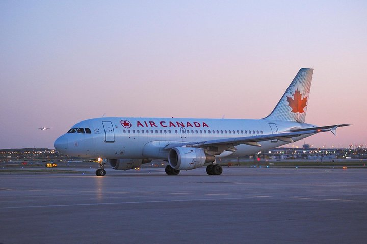 Private Transfer: Pearson Int'l Airport (YYZ) to Niagara Falls, ON, Toronto, CANADA