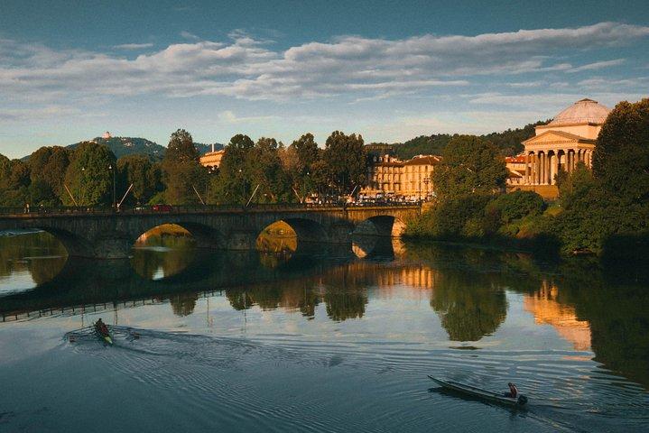 Private Airport Transfer: Turin Airport (TRN) to Turin, Turim, Itália