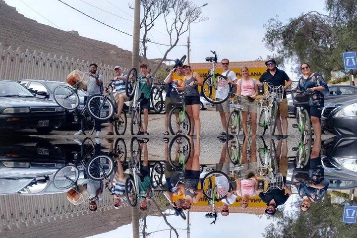 Lima Bike Tour Miraflores - Barranco + Huaca Pucllana!, Lima, PERU