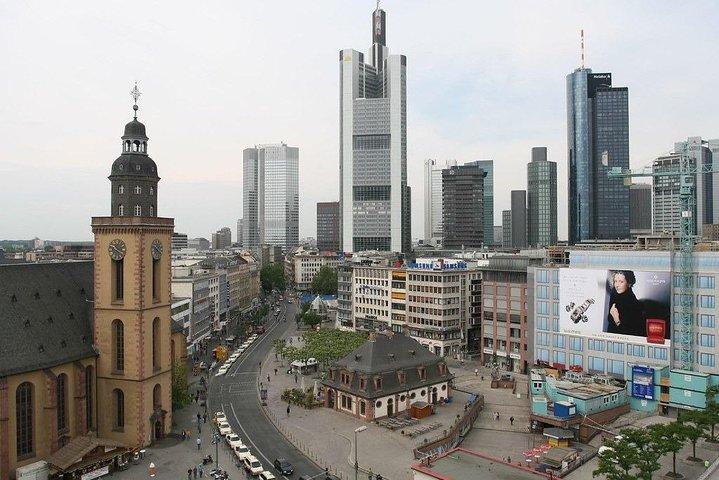 Frankfurt Airport Transfers : Frankfurt Airport FRA to Frankfurt in Luxury Van, Frankfurt, GERMANY