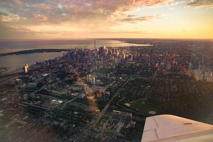 One hour Aerial Tour of Toronto and Niagara Falls with iflyTOTO, Toronto, CANADA