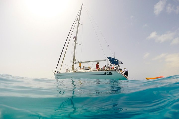 4h - Excursion de navegación en grupos pequeños alrededor de Isla de Lobos, Fuerteventura, Espanha