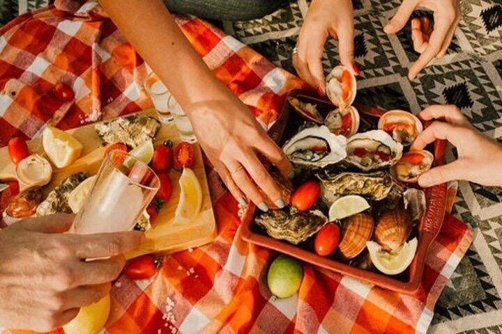 Oyster Tasting with Local Fisherman, Miconos, GRECIA