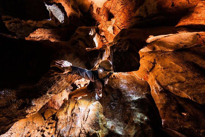 Multi-Cave Experience, Isla de Vancouver, CANADA