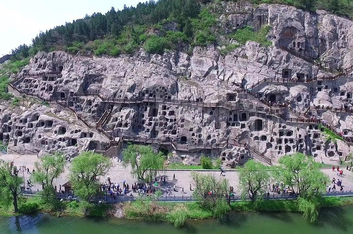 2-Day Private Tour from Qingdao with Hotel: Shaolin Temple and Longmen Grottoes, Qingdao, CHINA