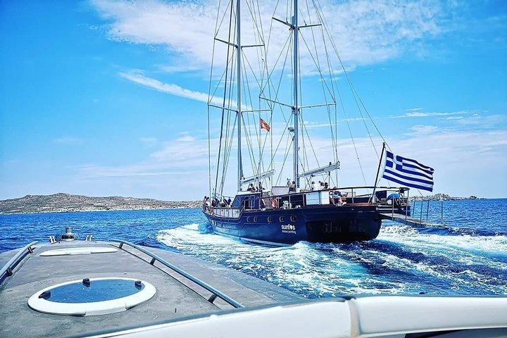 Mykonos: Superior Yacht Cruise to Rhenia Island and Guided Tour of Delos, Miconos, GRECIA