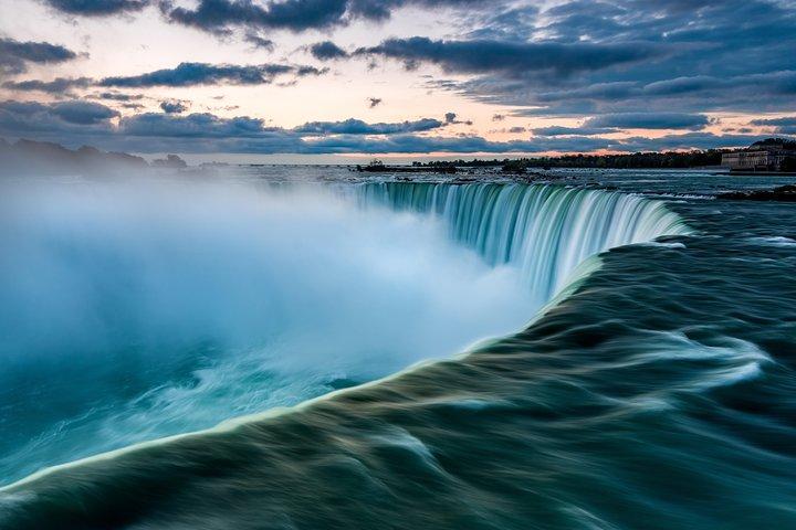 Private Airport Transfer: from Niagara Falls to Buffalo Niagara Airport (BUF), Cataratas del Niagara, NY, ESTADOS UNIDOS