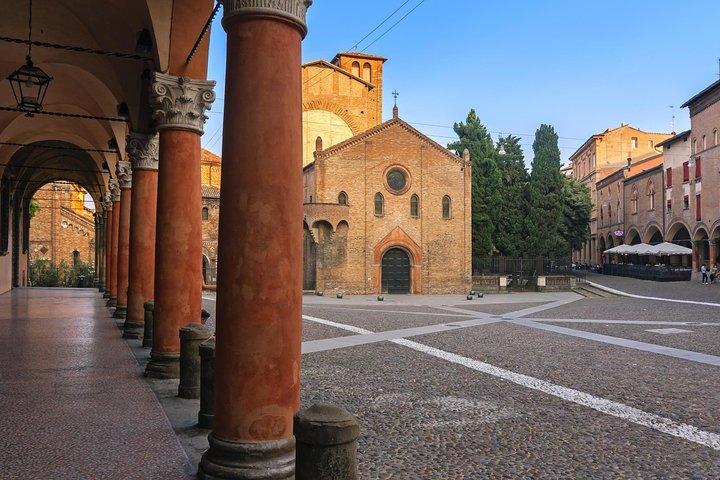 Walking Tour of Bologna for Instagram, Bolonia, ITALY