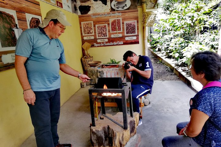 Mindo Tour Including Coffee, Chocolate, and Cloud Forest, Quito, ECUADOR