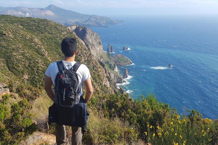 Panoramic hike-walk and drink by the sea, Islas Eolias, ITALIA