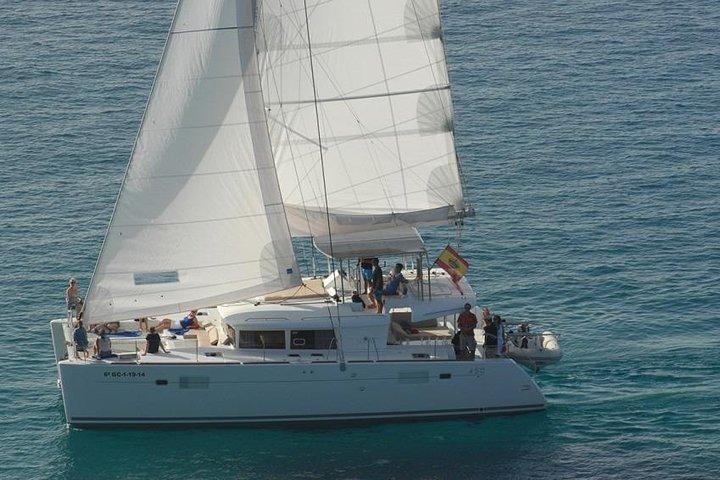 Deluxe Vip Sailing Catamaran from Morro Jable, Fuerteventura, Espanha