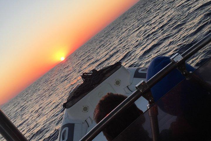 Sciara del Fuoco from the sea with an aperitivo to Ginostra, boat tour, Islas Eolias, ITALIA
