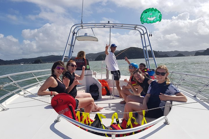 Private Parasail Charter over the Bay of Islands, Bahia de Islas, NUEVA ZELANDIA