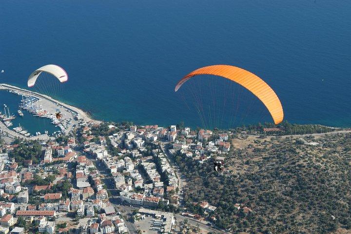 Tandem Paragliding in Kas, Kas, TURQUIA