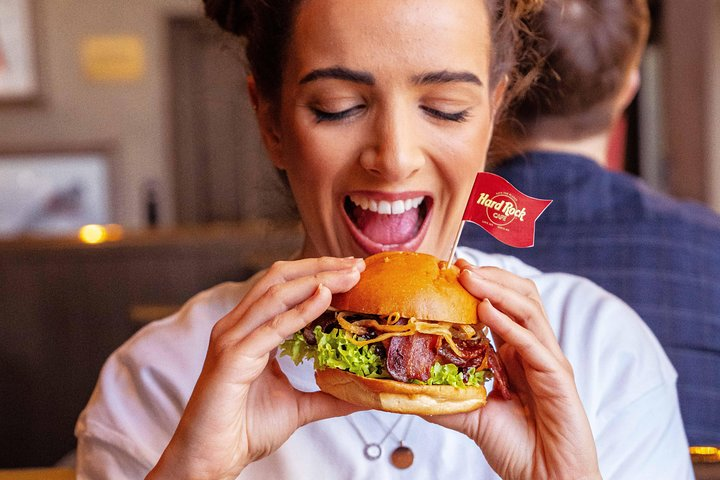 Skip the Line: Hard Rock Cafe Cologne Including Meal, Colonia, Alemanha