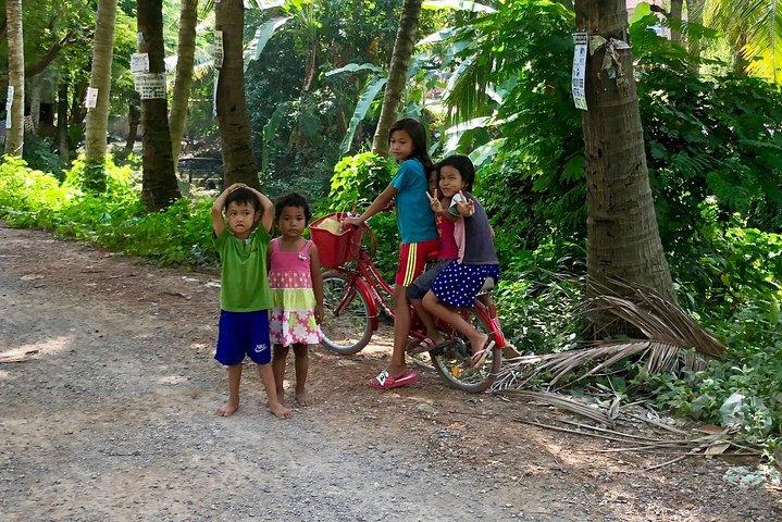 Explore Battambang Local Livelihoods Half-Day Tour by Bicycle, Battambang, CAMBOYA