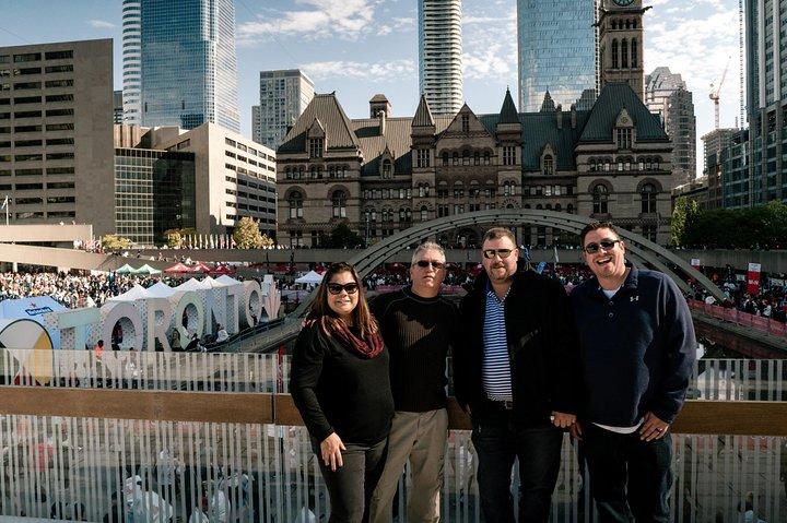 Small Group Ultimate Toronto Tour, Toronto, CANADÁ
