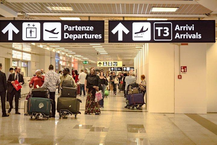 Private Transfer: From Amalfi (hotel) to Naples (hotel-airport-train station), Amalfi, ITALIA