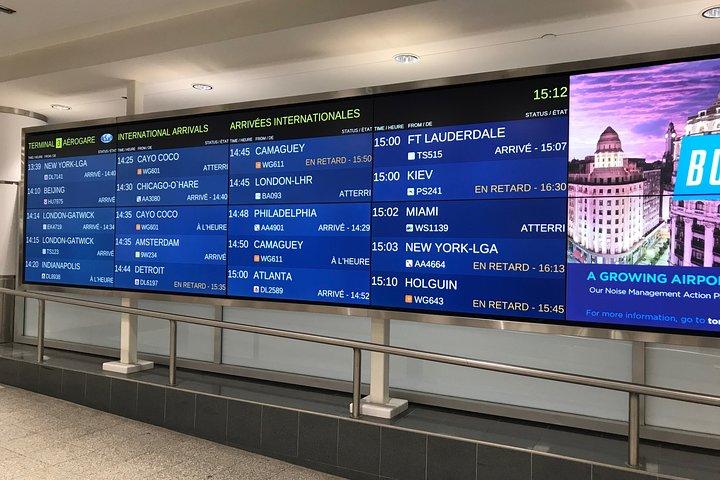 Traslado privado: del aeropuerto Pearson de Toronto a alojamientos en Toronto, Toronto, CANADA