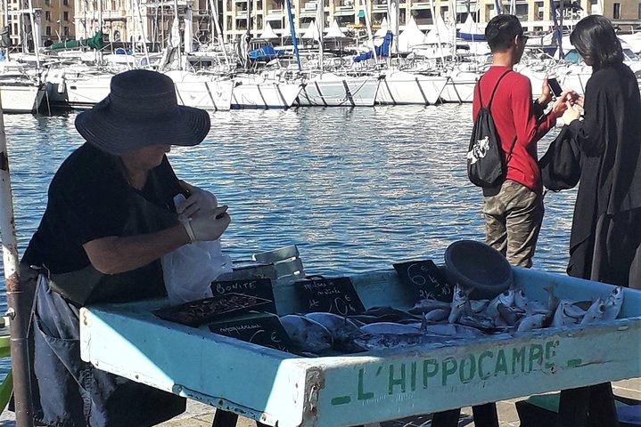 Comida completa en cinco paradas en Marsella, Marsella, FRANCIA
