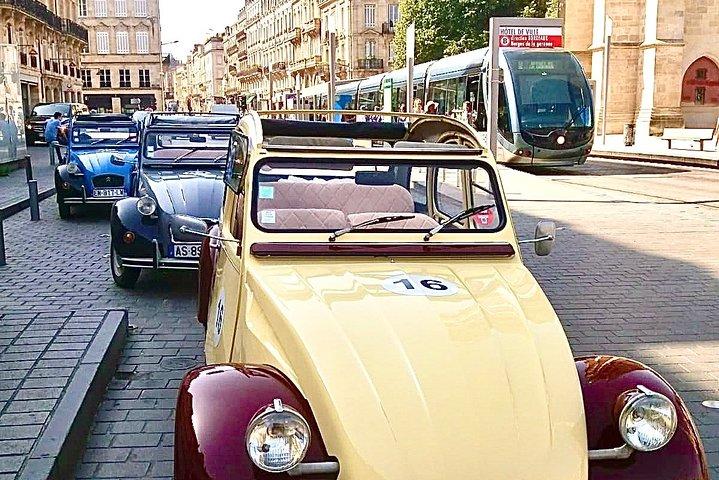 Private Tour of Bordeaux in a Citroën 2CV - 1h30, Bordeaux, FRANCIA