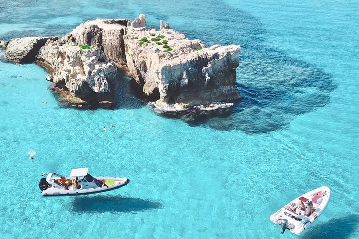 Passeio de barco privado; Experiência de topo de Tropea a Capo Vaticano, barco CovidFree, Tropea, Itália