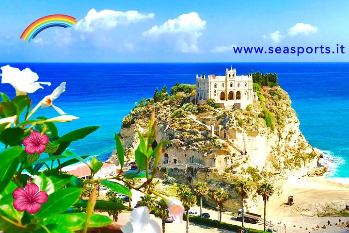 Exciting private boat tour, up to 8 people, from Tropea to Capo Vaticano, Tropea, ITALIA
