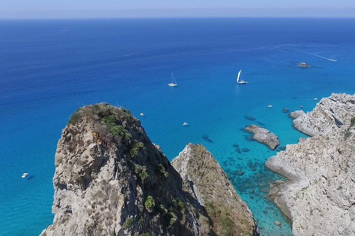 BOAT RENT limited edition 2021, full optional, 7 people. 1/2 day TOP in Tropea, Tropea, ITALIA