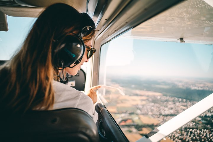 Sightseeing Tour of Bremen in a Private Plane, Bremen, ALEMANIA