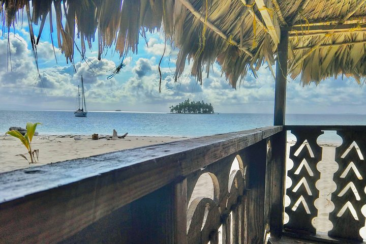 Secluded Private Paradise Cabin in San Blas + Island Day Tour - 2 days/1 night, Islas San Blas, PANAMÁ
