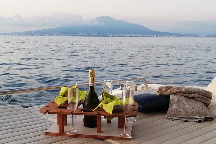 Private Cruise to Capri and Amalfi coast from Positano or Amalfi - yacht 50', Amalfi, ITALIA