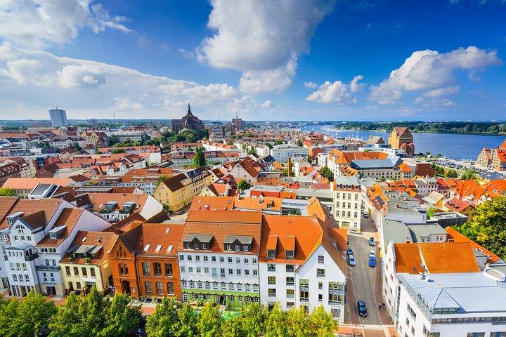 Best of Warnemuende & Rostock Join-in Shore Excursion, Rostock, Alemanha