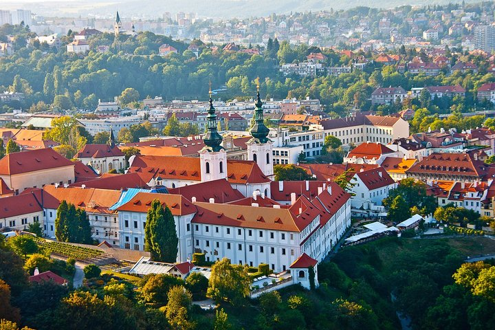 Private Transfer from Berlin to Prague with 2 Sightseeing Stops, Berlin, GERMANY