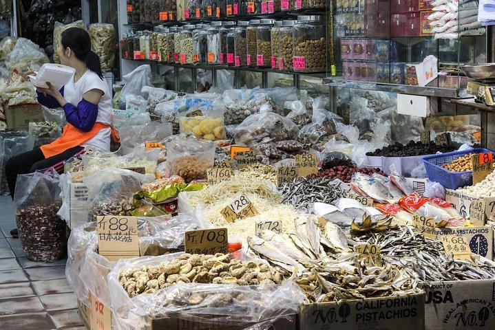 Private Hong Kong: Kowloon Night Street Food Tour, Hong Kong, CHINA
