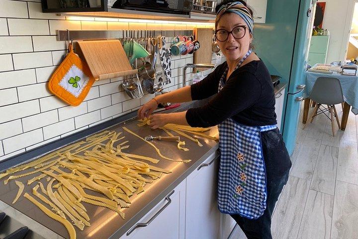 Handmade Pasta Making Class using Family Recipes in Ravenna, Ravenna, Itália