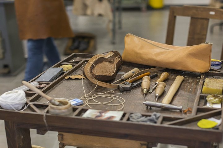 Sensory Experience with a local Shoemaker in Pesaro, Pesaro, ITALIA