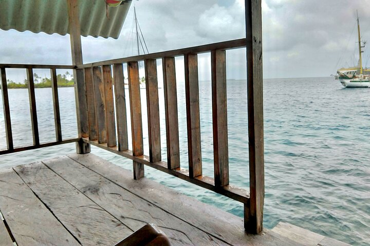 3D/2N Private Cabin OVER-THE-OCEAN including Meals & Boat Tour, Islas San Blas, Panama