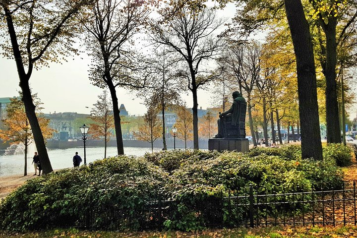 Surprise Walk of The Hague with a Local, The Hague, HOLLAND