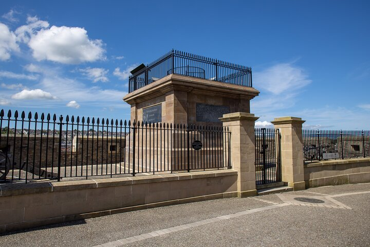 Private Guided Walking Tour of The Derry Walls, Londonderry, Ireland