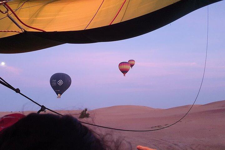 Hot Air Balloon Ride With Gourmet Breakfast & Falcon Show, ,