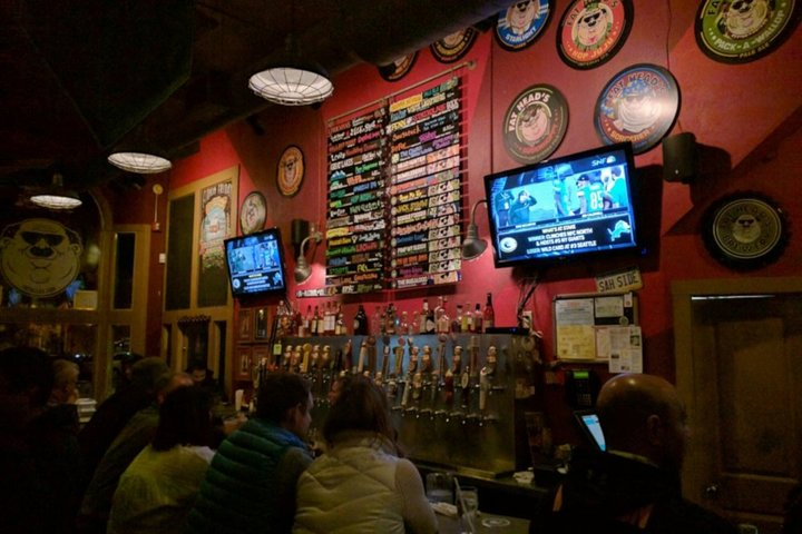 Pittsburgh Bar Hunt: Party Through Pittsburgh Bar Crawl, Pittsburg, PA, ESTADOS UNIDOS